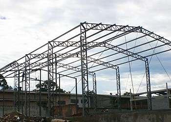 Telhado industrial conserto